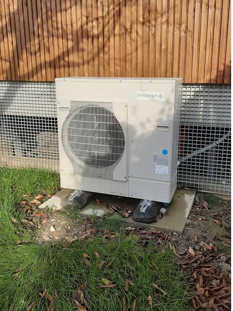 plombier chauffagiste bordeaux megardon unite extérieure pompe à chaleur